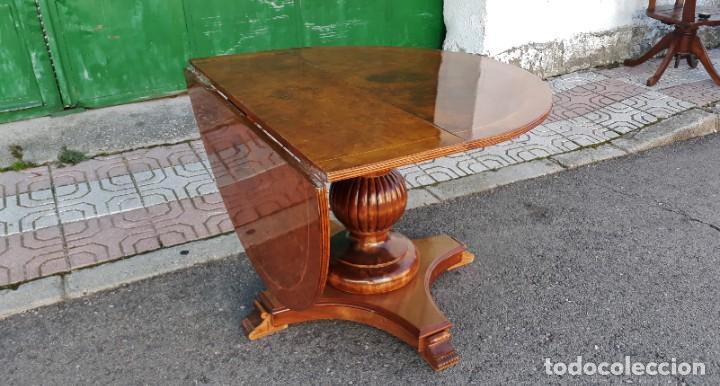 Antigüedades: Mesa de alas antigua superficie madera de raiz. Gran velador antiguo estilo victoriano inglés. - Foto 7 - 194736932