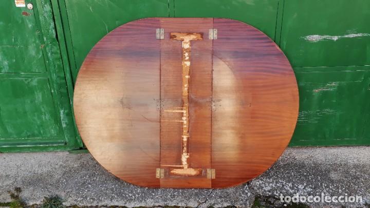 Antigüedades: Mesa de alas antigua superficie madera de raiz. Gran velador antiguo estilo victoriano inglés. - Foto 8 - 194736932