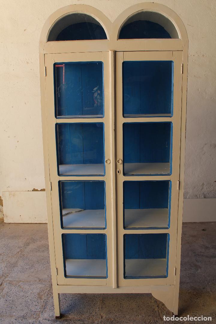 Antigüedades: armario vitrina en madera de teka repintada - Foto 2 - 194746965