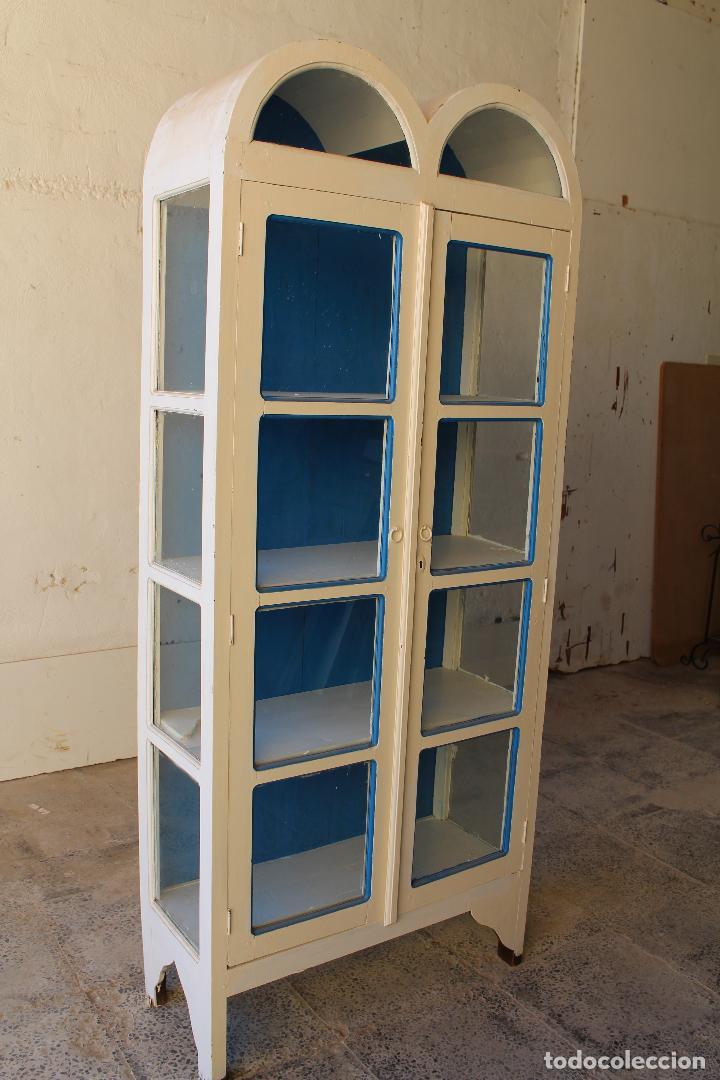 Antigüedades: armario vitrina en madera de teka repintada - Foto 3 - 194746965