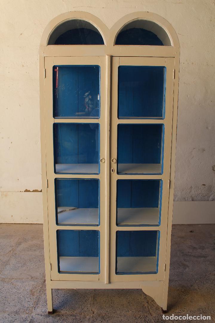 Antigüedades: armario vitrina en madera de teka repintada - Foto 4 - 194746965