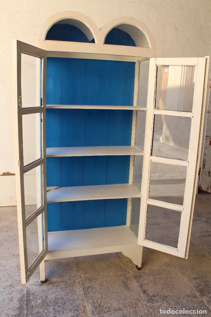 Antigüedades: armario vitrina en madera de teka repintada - Foto 7 - 194746965