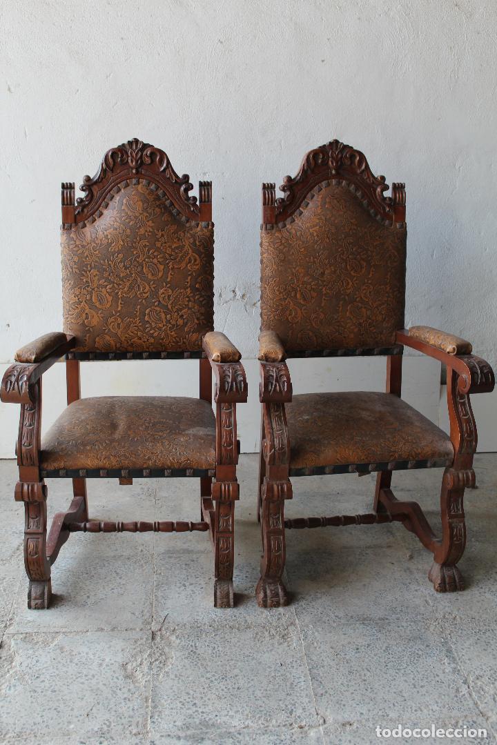 Antigüedades: 2 sillones de madera antiguos con piel repujada - Foto 5 - 194749698