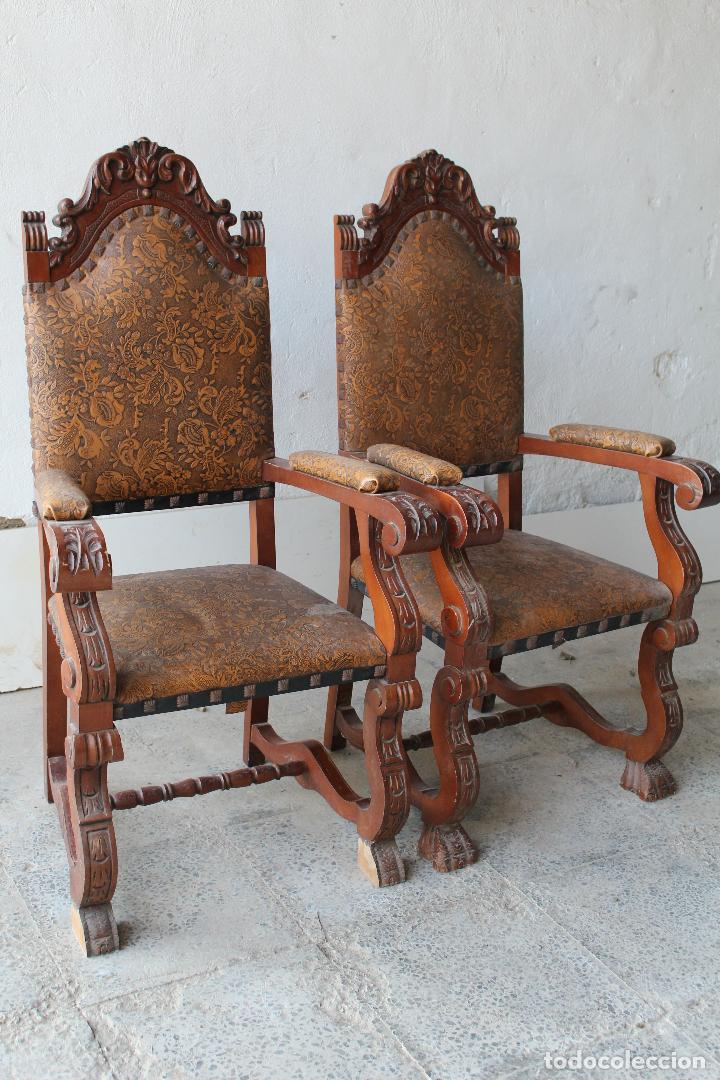 Antigüedades: 2 sillones de madera antiguos con piel repujada - Foto 6 - 194749698