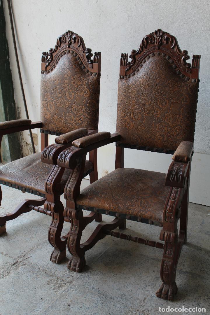 Antigüedades: 2 sillones de madera antiguos con piel repujada - Foto 7 - 194749698