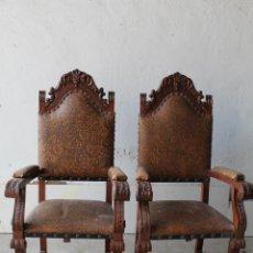 Antigüedades: 2 SILLONES DE MADERA ANTIGUOS CON PIEL REPUJADA. Lote 194749698