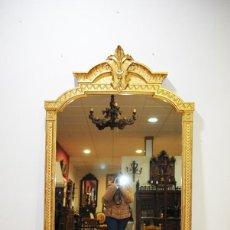 Antigüedades: GRAN ESPEJO ANTIGUO ISABELINO IDEAL VESTIDOR MADERA Y PAN DE ORO. Lote 194753947