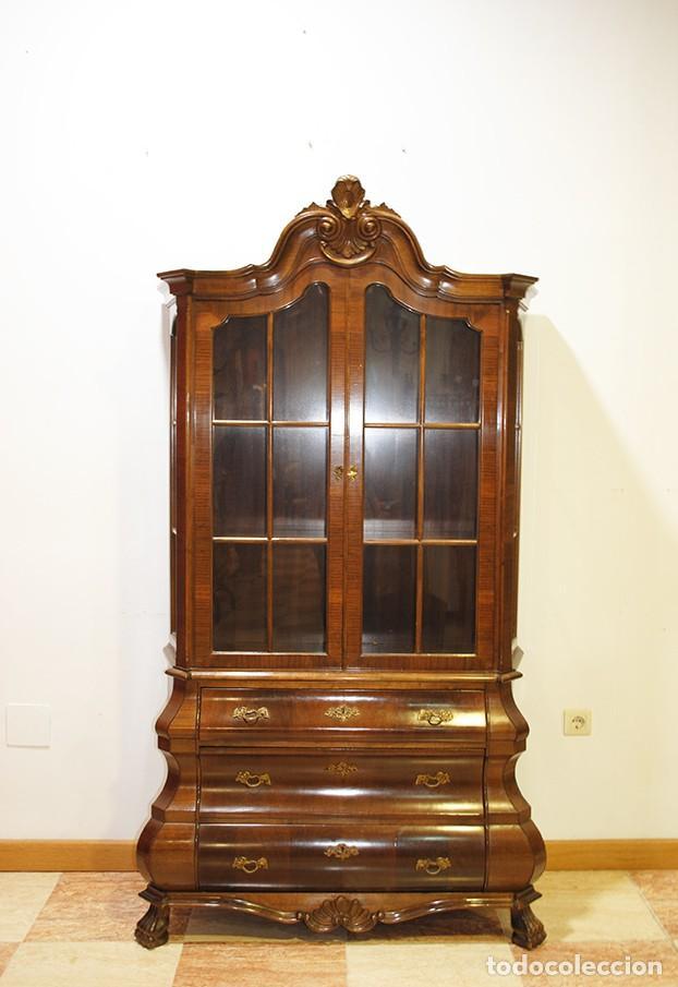 VITRINA DE MADERA TALLADA ESTILO HOLANDESA (Antigüedades - Muebles Antiguos - Vitrinas Antiguos)