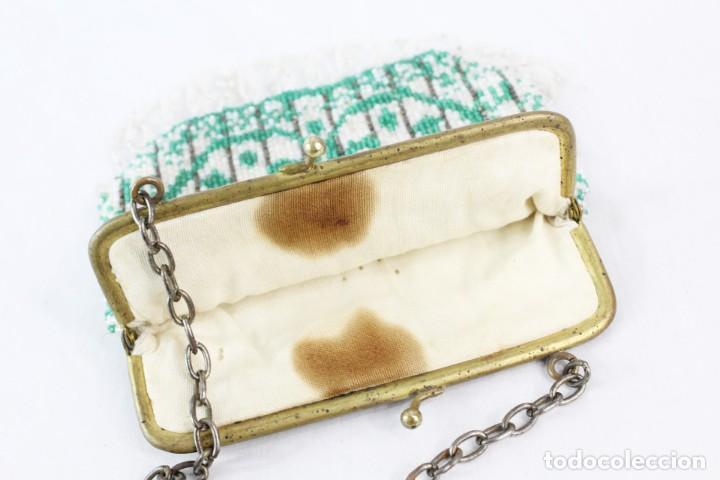 Antigüedades: Bolso años 1910 en cristal de cuentas bordado a mano, mostacillas embroidery beads. - Foto 5 - 194756827