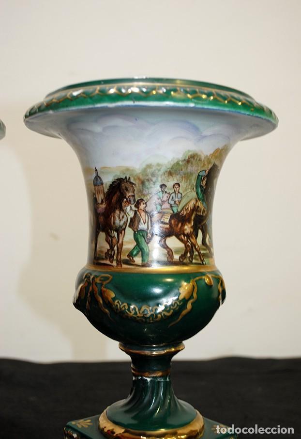 Antigüedades: PAREJA DE JARRONES ANTIGUOS COPA PORCELANA VERDE - Foto 4 - 194757228