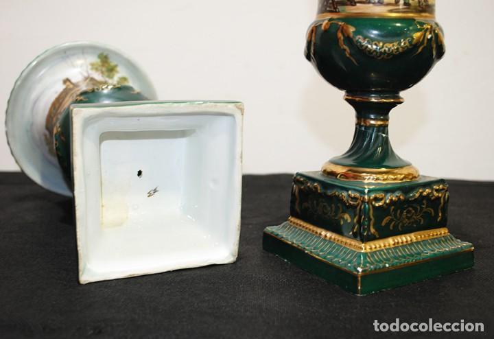 Antigüedades: PAREJA DE JARRONES ANTIGUOS COPA PORCELANA VERDE - Foto 9 - 194757228