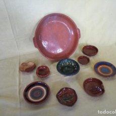 Antigüedades: LOTE DE 10 PLATOS DE BARRO, HECHOS Y PINTADOS A MANO, VARIOS TAMAÑOS. Lote 194760635