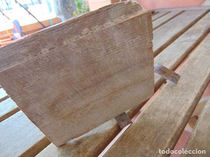 Antigüedades: ANTIGUO Y RARO GRIFO O DUCHA CON MADERA PARA ENCASTRAR EN PARED Y GARRAS QUITA-CIMBRE METAL MADERA - Foto 13 - 194765728