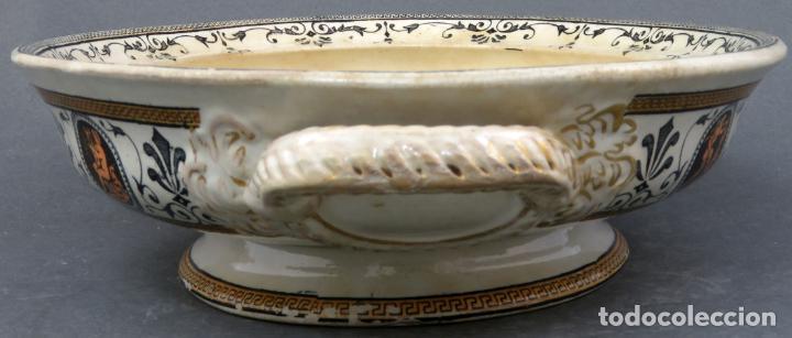Antigüedades: Fuente en loza inglesa decorada con escenas clasicistas siglo XX - Foto 6 - 194766412