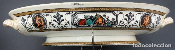 Antigüedades: Fuente en loza inglesa decorada con escenas clasicistas siglo XX - Foto 8 - 194766412