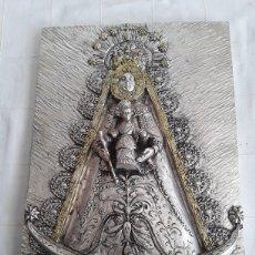 Antigüedades: VIRGEN DEL ROCIO LAMINADA EN PLATA DE LEY 925. Lote 194767402