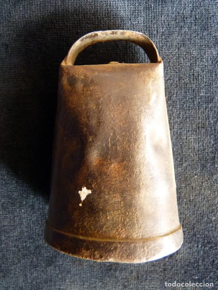 Antigüedades: ANTIGUO CENCERRO DECORADO. VALENCIA. 9 cm. (6) - Foto 3 - 194779173
