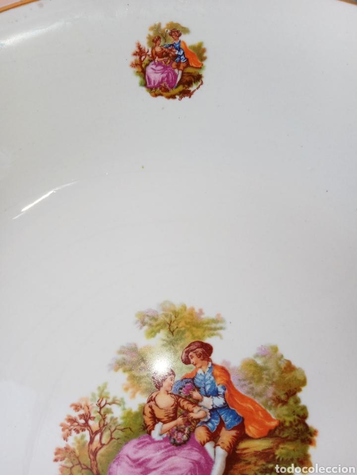 Antigüedades: PICKMAN - LA CARTUJA DE SEVILLA - FRUTERO O FUENTE ONDA - DECORADO CON MOTIVOS GALANTES - Foto 5 - 194780206