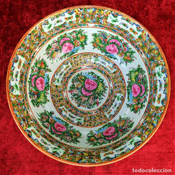 GRAN BOL CHINO. FAMILIA ROSA. PORCELANA ESMALTADA. CHINA. SIGLO XIX (Antigüedades - Porcelanas y Cerámicas - China)