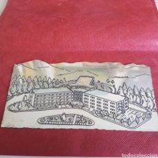 Antigüedades: PLATA DE LEY CHAPA GRANADA EDIFICIO POLICLINICA GUIPUZCOA SATOSTEGUI. Lote 194788930