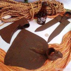 Antigüedades: APEROS DEL CAMPO (TRES HERRAMIENTAS DIFERENTES). VIEJAS HERRAMIENTAS.. Lote 194858676