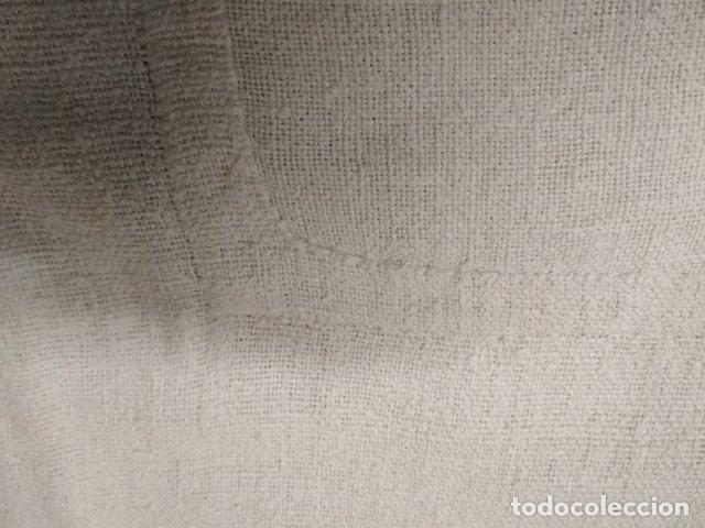 Antigüedades: ANTIGUA SABANA DE LINO MUY GRUESO MANUAL 230CM X 190CM COSTURA CENTRAL - Foto 4 - 194864288