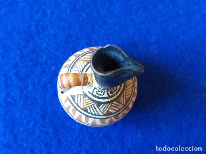 Antigüedades: Jarron en miniatura. Cerámica pintada. Altura 6 cm - Foto 6 - 194865931