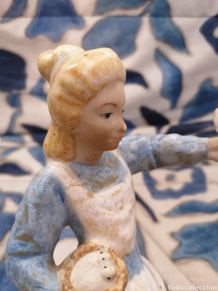 Antigüedades: Preciosa figura mujer y palomas arte Levantino, 60s - Foto 2 - 194880856