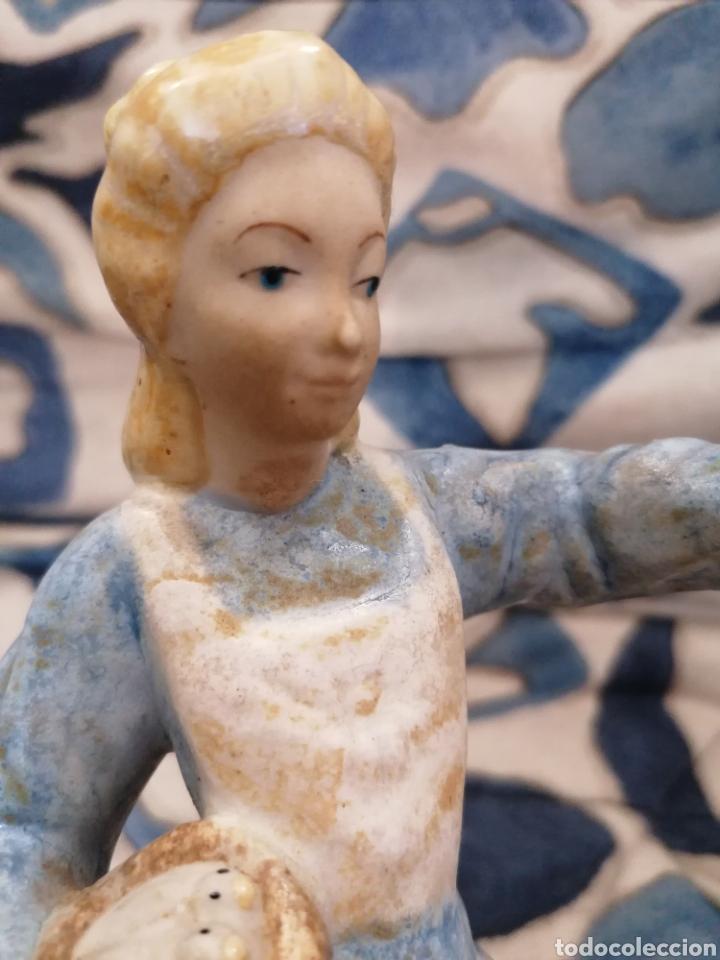 Antigüedades: Preciosa figura mujer y palomas arte Levantino, 60s - Foto 6 - 194880856