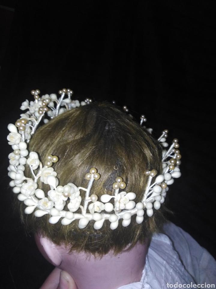 Antigüedades: Tiara antigua de novia de flores de cera y perlas sin faltas - Foto 3 - 194881255