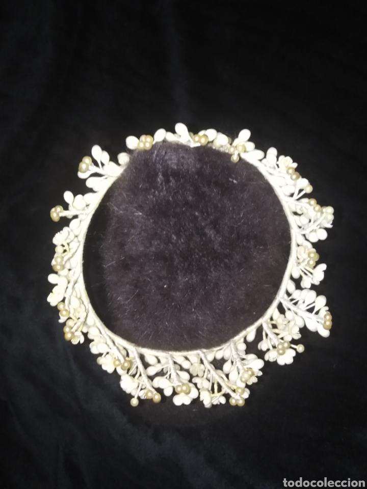Antigüedades: Tiara antigua de novia de flores de cera y perlas sin faltas - Foto 7 - 194881255