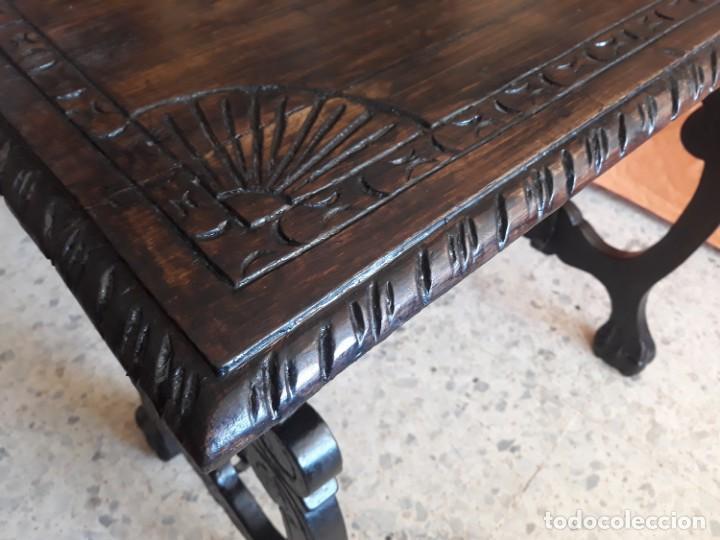 Antigüedades: Antigua mesa de bargueño o auxiliar de patas de lira y fiadores - Foto 4 - 194890645