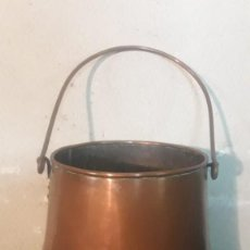 Antigüedades: OLLA CUBO DE COBRE CON UNA ASA. Lote 194891606