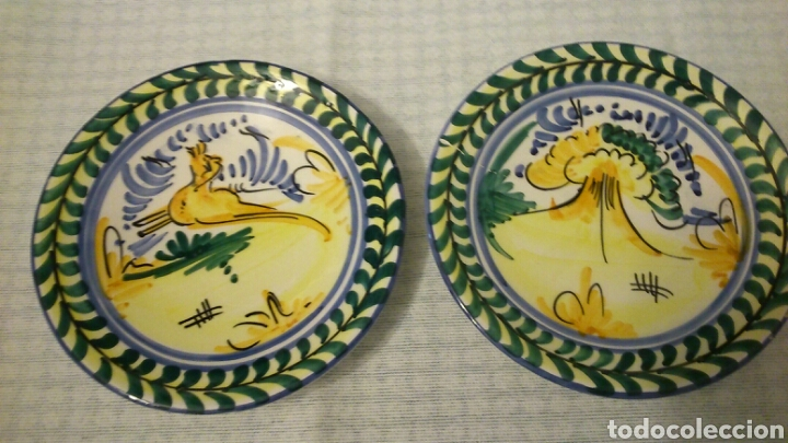 DOS PLATOS DE TRIANA ( SEVILLA, 18 CM DE DIÁMETRO) (Antigüedades - Porcelanas y Cerámicas - Triana)