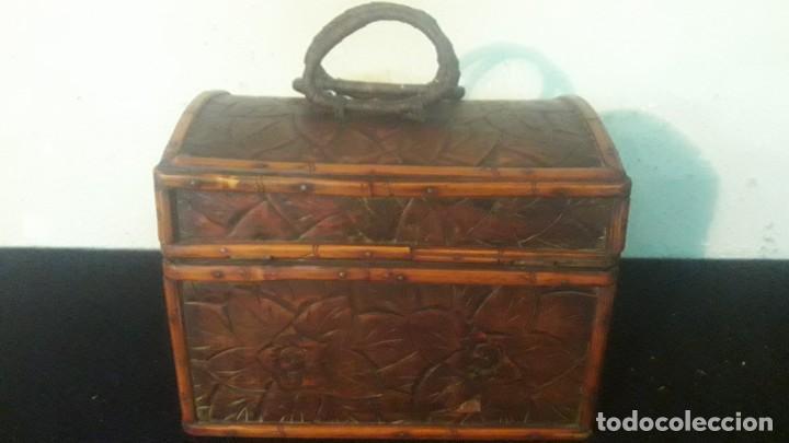 Antigüedades: Caja tallada teka y bambu - Foto 3 - 194892250