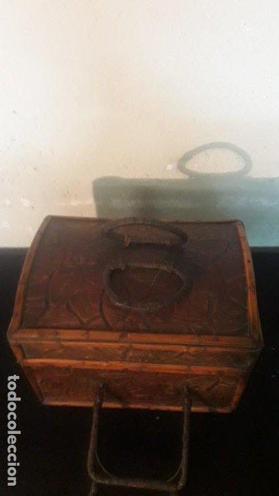 Antigüedades: Caja tallada teka y bambu - Foto 6 - 194892250