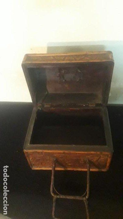 Antigüedades: Caja tallada teka y bambu - Foto 15 - 194892250