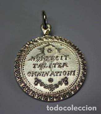 Antigüedades: 10,, MEDALLON DE NUESTRA SEÑORA DE GUADALUPE DE MEXICO A 1804, REV: NONFECIT. TALITER. OMNINATIONI - Foto 2 - 194895062