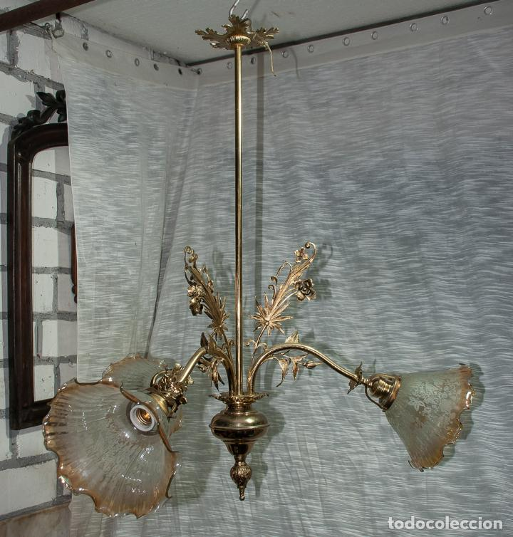 Antigüedades: LAMPARA MODERNISTA DE BRONCE PULIDA Y ELECTRIFICADA, C 1900 - Foto 4 - 194903847