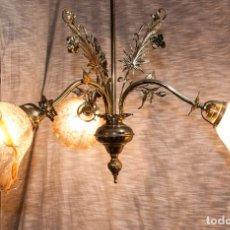 Antigüedades: LAMPARA MODERNISTA DE BRONCE PULIDA Y ELECTRIFICADA, C 1900. Lote 194903847