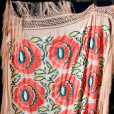 Antigüedades: MANTON ANTIGUO, FLORES 140X140 ,MAS FLECOS.. Lote 194908896