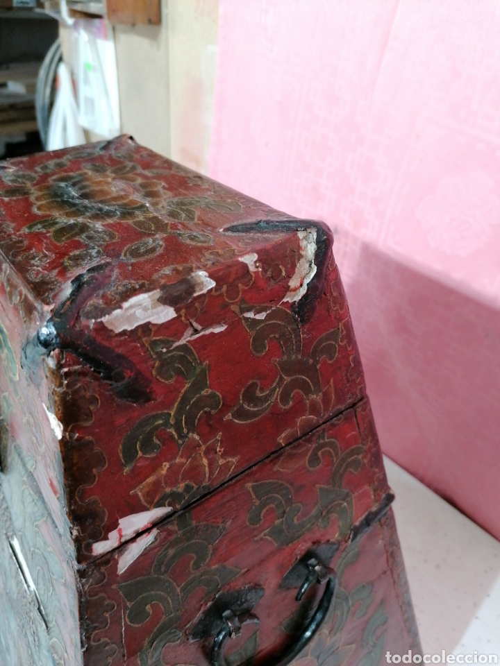 Antigüedades: Caja pintada con herrajes muy rara - Foto 4 - 194914610