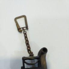 Antigüedades: LLAVERO PLANCHA NUMERADO JU-PAS. Lote 194915001