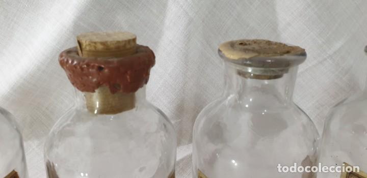 Antigüedades: BOTELLAS FARMACIA LOTE 5 UNIDADES - Foto 5 - 194915923