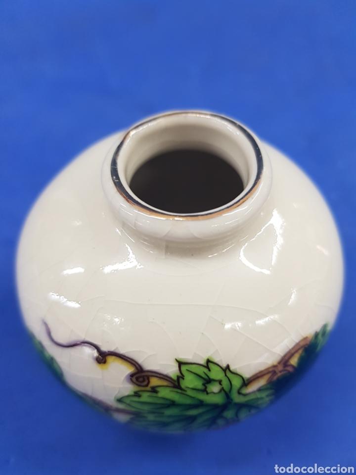 Antigüedades: Jarrón pequeño, porcelana Made un Japan - Foto 2 - 194924258