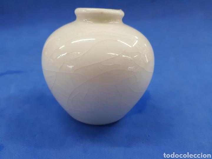 Antigüedades: Jarrón pequeño, porcelana Made un Japan - Foto 3 - 194924258