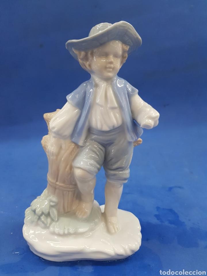 Antigüedades: Pareja de Segadores, Figuras de porcelana , años 1970 - Foto 6 - 194926021