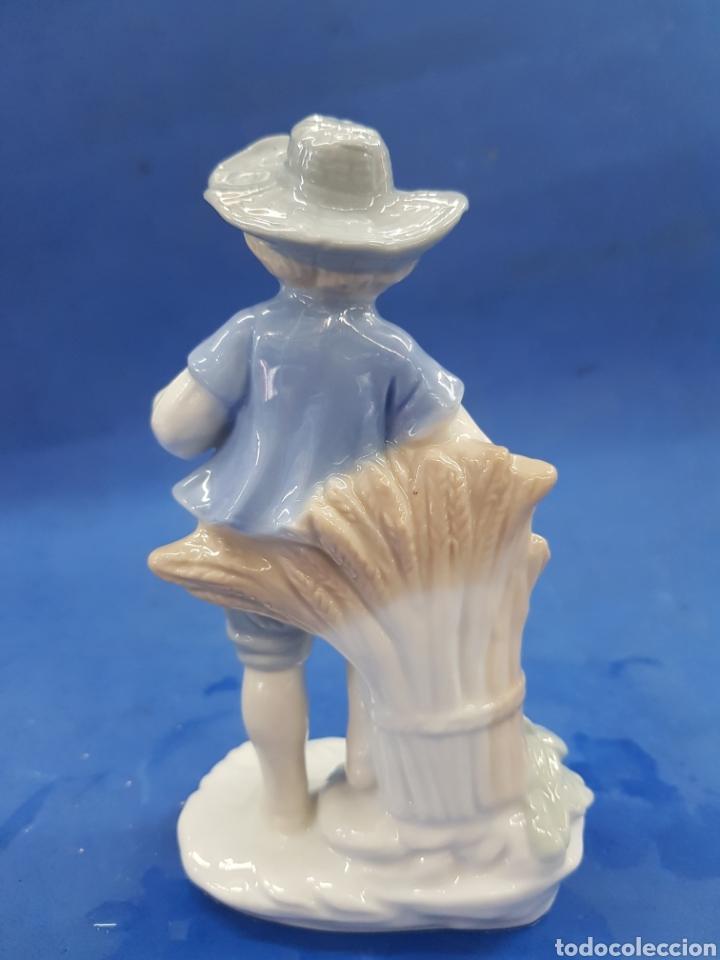 Antigüedades: Pareja de Segadores, Figuras de porcelana , años 1970 - Foto 8 - 194926021