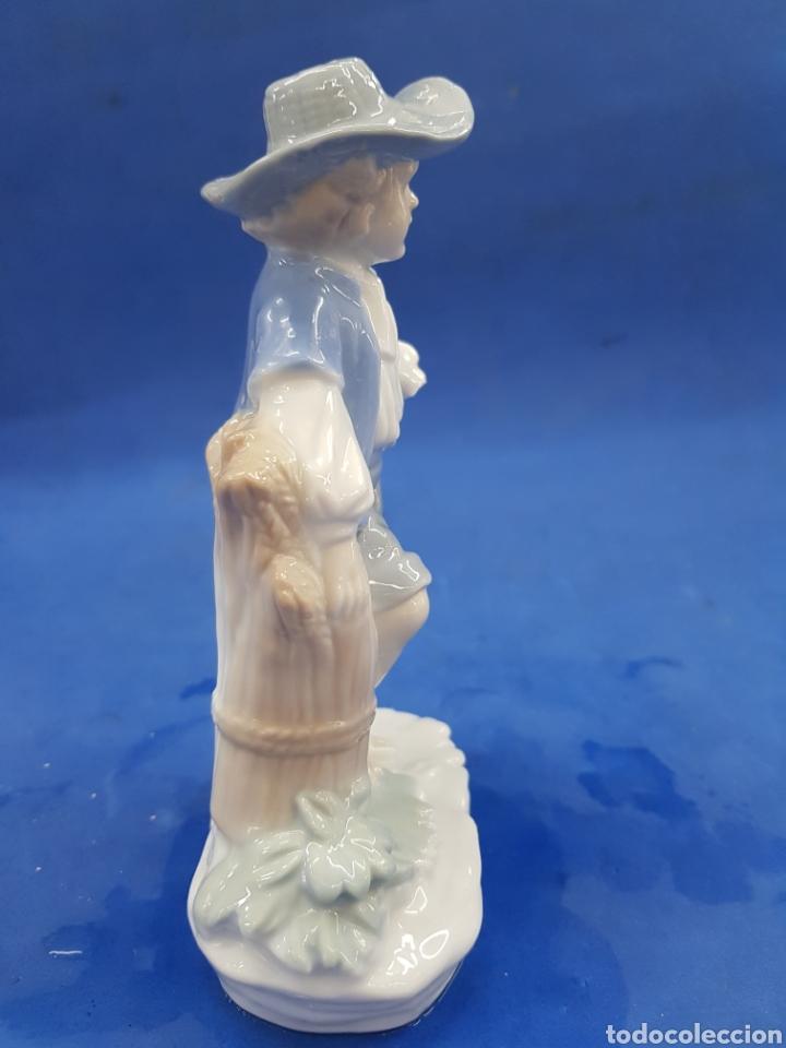 Antigüedades: Pareja de Segadores, Figuras de porcelana , años 1970 - Foto 9 - 194926021