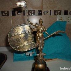 Antigüedades: GIRALDILLO FIGURA DE BRONCE. Lote 194931006